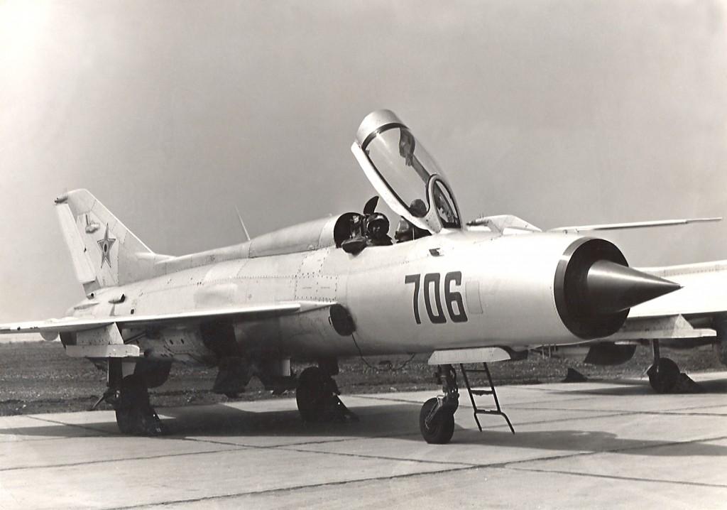 1. Stratu inaintea decolarii cu MIG-21
