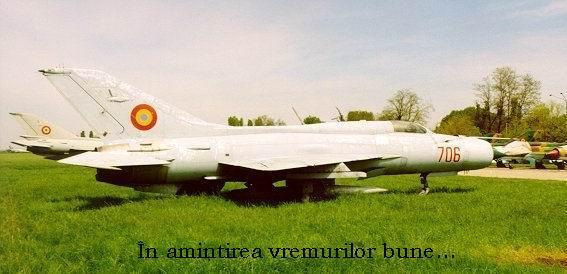 2. Mig-21 PF-706 tras pe iarba